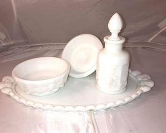https://www.ebay.com/itm/114191848529Br9009: India Grape Milk Glass Set  $35