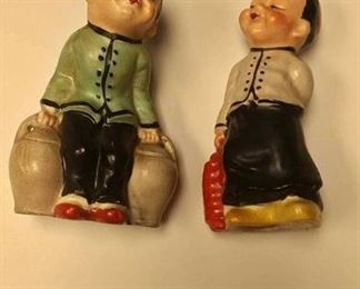https://www.ebay.com/itm/114197540082BR4162004 VINTAGE CERAMIC BOY & GIRL SALT AND PEPPER SHAKERS  MADE IN JAPAN BOX 75 BR4162004 $15