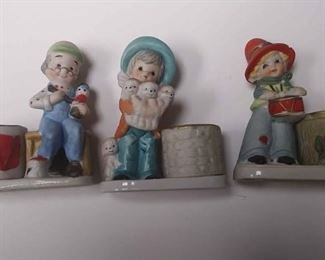 BR4162005 SET OF THREE VINTAGE FIGURINE CERAMIC CANDLE HOLDERS BY JASCO $10.00 BOX 75 5 Pay online by Venmo: @Rafael-Monzon-1, PayPal Email: Agesagoestatesales@Gmail.com, or Square Call for info 504-430-0909