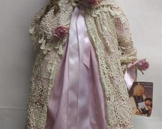 """https://www.ebay.com/itm/124141905642CC0005 Limited edition of fine porcelain doll Elsie Massey collection """"LAUREN"""" Serial number #16/1000. Without box  $20"""