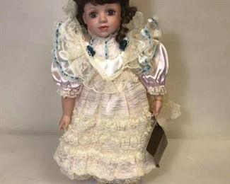 https://www.ebay.com/itm/114174515049Cma2037: Seymour Mann Limited Edition Doll 1997  $30