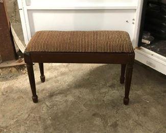 https://www.ebay.com/itm/114193620820LAN9908 Antique Piano Bench Local Pickup  $40