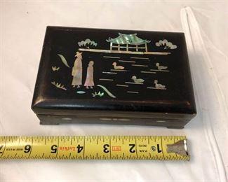 https://www.ebay.com/itm/124139425031LAN9937: Mother of Pearl Inlayed Box Local Pickup  $5
