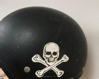 https://www.ebay.com/itm/114166076459LAN9955: Motorcycle Helmet Local Pickup  $5