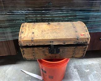 https://www.ebay.com/itm/114217317120LAN9841: Antique Leather Covered Box $50.00