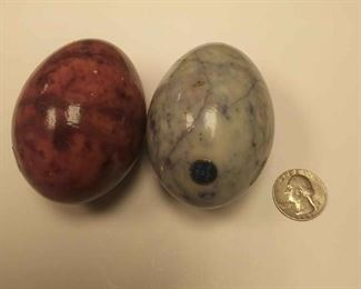 https://www.ebay.com/itm/114209781350AB0341 PAIR OF VINTAGE ALABASTER STONE EGGS . MADE IN ITALY  BOX 78 AB0341$20
