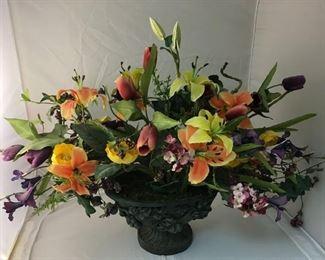 https://www.ebay.com/itm/124173562930KB0133: Giant Table Centerpiece Floral Arrangement$25