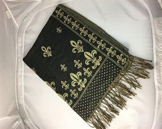 "https://www.ebay.com/itm/124173544375KB0137: Fleur Dis Lis Scarf 70"" x 27""$8"