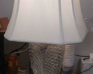 https://www.ebay.com/itm/114212180680AB0355: VINTAGE CUT CRYSTAL GLASS & BRASS TABLE LAMP FR0NT OF STORE AB0355$30