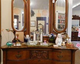 Beautiful Oak Triple Bevelled Mirrored Dresser