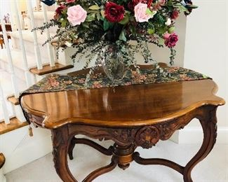 """1870s carved walnut parlor / dining table, 30""""H, 50""""L, 42"""" W"""