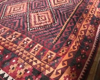 Flat weave   9.33'  X 15.25'