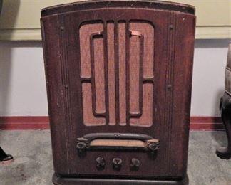 GE Model A-82 Radio, ca. 1935/1936