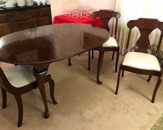 Pennsylvania House table with 4 chairs, and two leaves,  Price $475.00