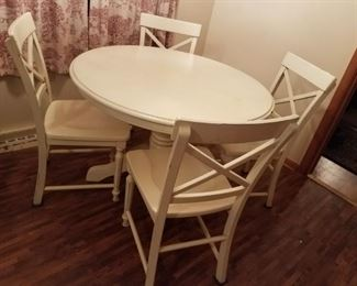 004 White Kitchen Table  Chairs