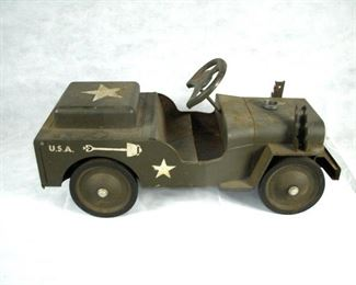 1950'S STRUCO RIDE-ON MILITARY JEEP