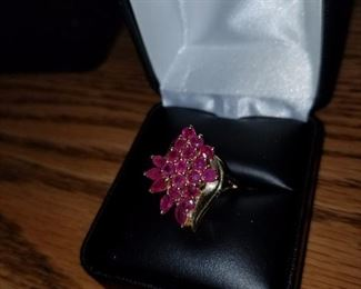 14kt and rubies