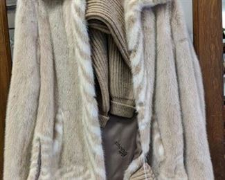 beautiful Gucci mink jacket w/zip out sleeves. Set of knit sleeves and knit hat