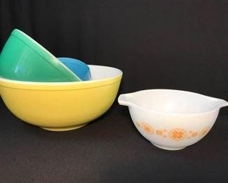PYREX - Vintage Pyrex Mixing Bowls https://ctbids.com/#!/description/share/314234