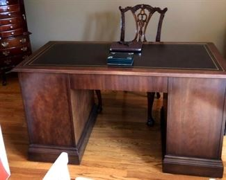Wood desk 56x26x31
