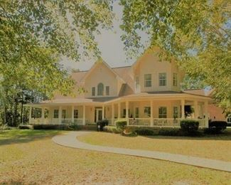 4600 sq ft house to downsize moving sale.  Living estate sale