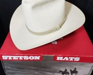 Stetson Buffalo Style Silver Belly Color Hat size 57/ 7 1/8. Measures Length 16 inches, Height 7 inches and Width 13 inches. https://ctbids.com/#!/description/share/314484