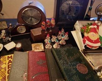 vintage year books and vintage mantel clocks