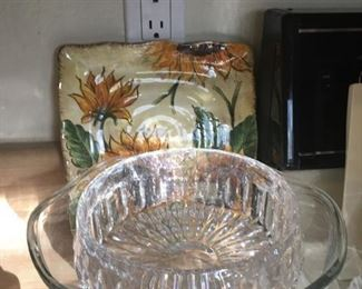 Lead crystal bowl, serving bowl and sunflower dish