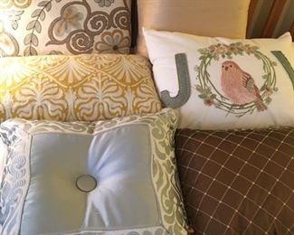 Asst'd decorative pillows