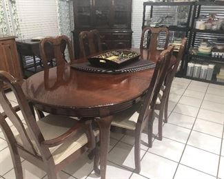 formal dinning  set - table and 6 chairs- also have china cabinet  all wonderful condition =ethan allen