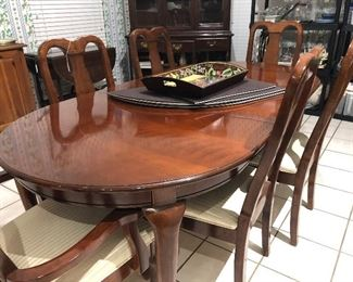 ethan allen dining room table and 6 chairs