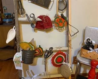 Who doesn't love antique kitchenware!!