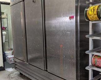 Avantco Refrigerator On Castor's