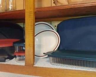 Great Pyrex pieces with carry insulated carriers