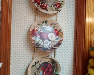 Decorative Apple plates with stand