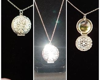 Beautiful filigree sterling silver Italian locket you can also use this for essential oils diffuser pads