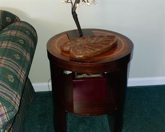 Beautiful mahogany leather top Barrel open tables