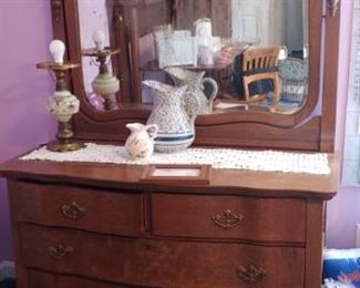 Beautiful antique oak dresser mirror