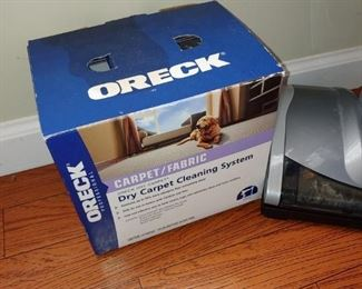 Awesome Oreck vacuum cleaner with all attachments