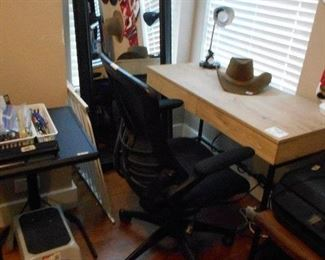 mirror, office chair and computer desk, small table, etc.