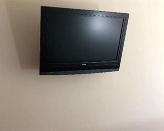 Many tvs