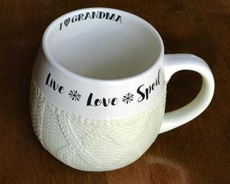 I love Grandma mug, who doesn't...