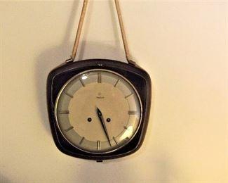 Mid Century hanging clock - wind up
