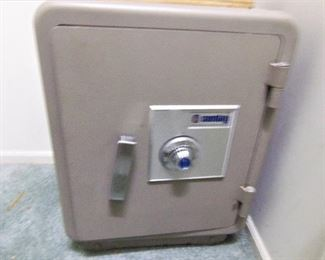 Floor safe with combination lock (we have combination)
