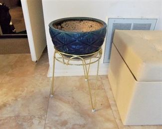 Large ceramic planter with stand