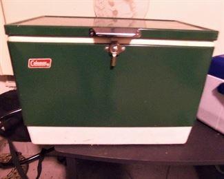 Vintage Coleman cooler - excellent condition