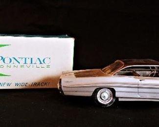 1961 Pontiac Bonneville 2 Door Ht promo model