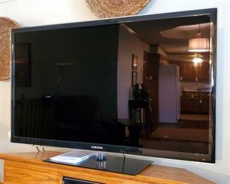"""Samsung 55"""" Television Model UN 55C6300 SF Includes Remote"""
