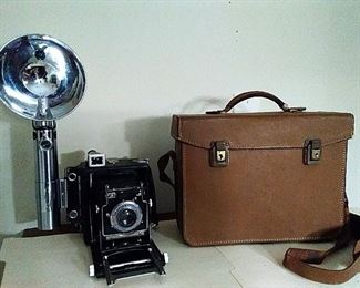 Antique Camera with flash and leather case Graphex