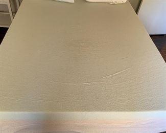 Queen Memory Foam Mattress & Boxspring (NO FRAME)59in w x 80 long